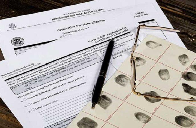¿Acreditación del nacimiento de extranjeros con padres colombianos puede hacerse a través de testigos?