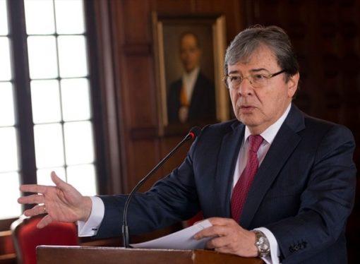 Directivos de Cancillería serán funcionarios de carrera diplomática