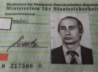 Hallan un carné de Putin de agente de la Stasi