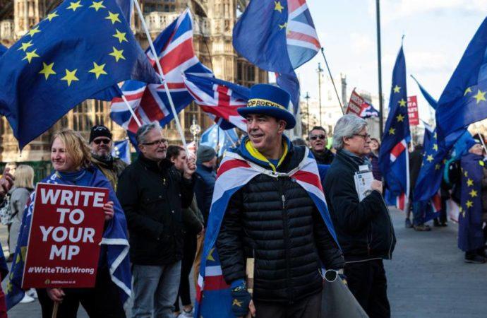 May sufre una dura derrota en el Parlamento en la recta final del Brexit