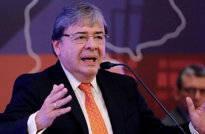 POLÍTICA GOBIERNO CONGRESO PROCESO DE PAZ PARTIDOS POLÍTICOS La dura respuesta del gobierno colombiano a los rusos
